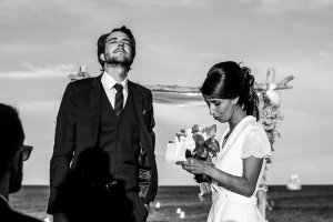 photographe mariages saint-tropez photos ceremonie laique plage