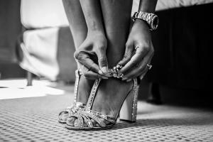 photographe mariage saint tropez photo chaussure mariee