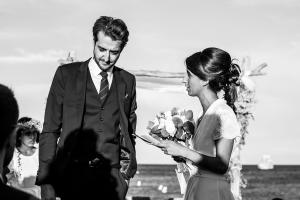 photographe mariages saint-tropez photo ceremonie laique plage