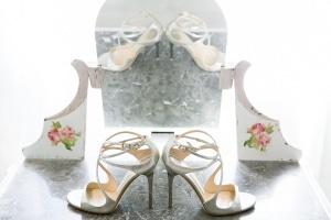 photographe mariage à marseille, photo des préparatifs, chaussures mariée