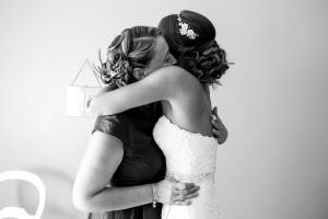 photographe de mariage à marseille, photo de préparatifs, robe mariée