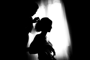 photographe de mariage à marseille, photo de préparatifs, voile mariée