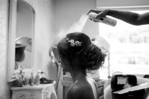 photographe mariage à marseille, préparatifs photo coiffure mariée