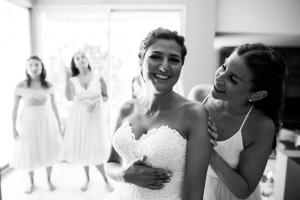 photographe mariages marseille 13 photo habillage mariee
