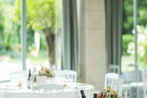 photographe de mariage anglais en provence, photos décoration salle