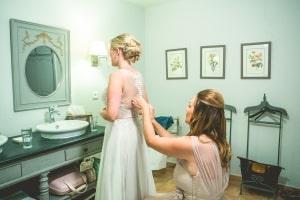 photographe mariage anglais, provence, photos habillage mariée