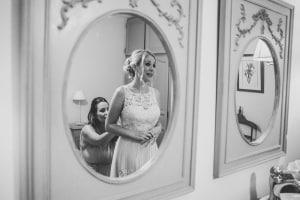 photographe mariages anglais, provence, photos habillage mariée