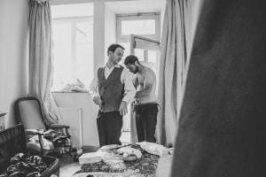photographe mariage anglais en provence, photos préparatifs marié