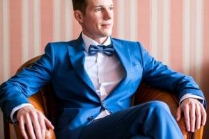 photographe mariage à marseille, photo des préparatifs, habillage marié
