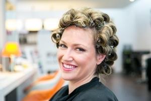 photographe mariage à marseille, photos préparatif coiffure mariée