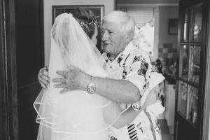 photographe mariage marseille, photo de préparatifs, robes mariéed