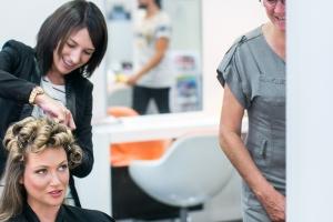 photographe de mariages à marseille, photos des préparatifs, coiffure mariée
