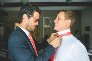 photographe de mariage, préparatif du marié, saint rémy de provence